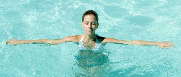 Плавание в бассейне польза и вред