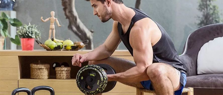 Программа тренировок с гантелями дома для мужчин