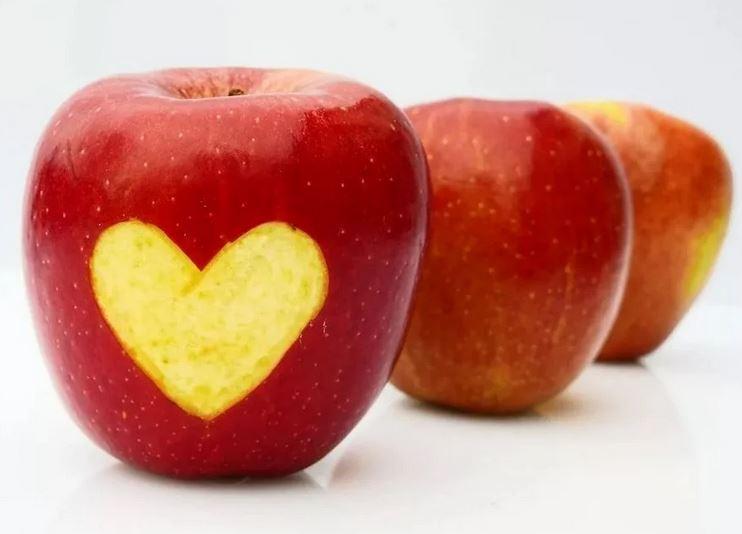 Что будет, если каждый день съедать по яблоку